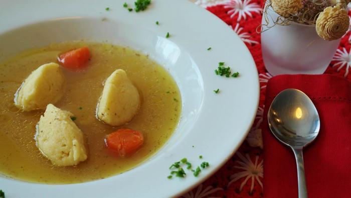 Grießnocken für Suppe